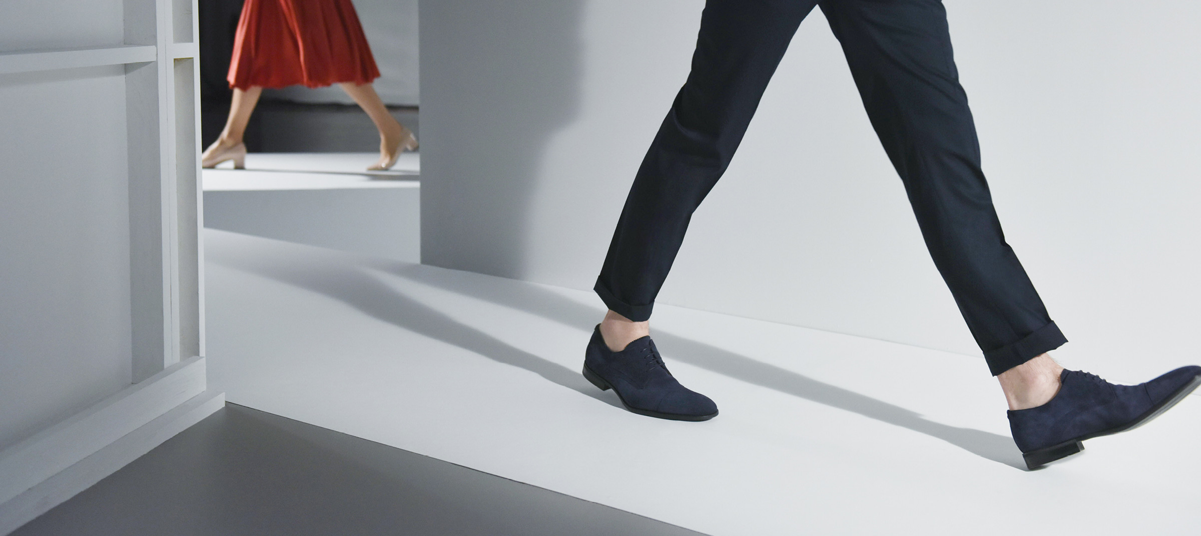 Models walking in Aquatalia's shoes by DTE Studio