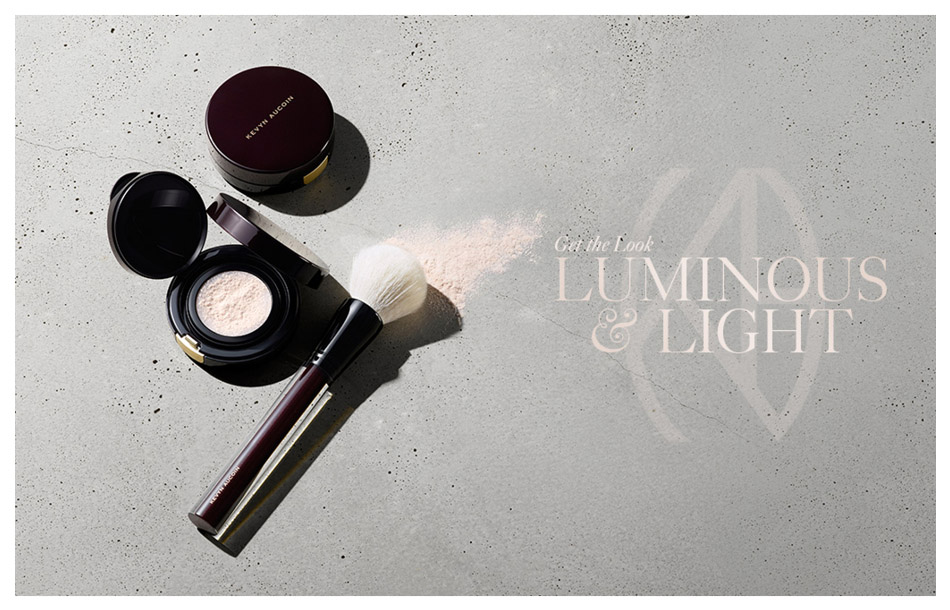 Luminous and light powder from Kevyn Aucoin cosmetics.